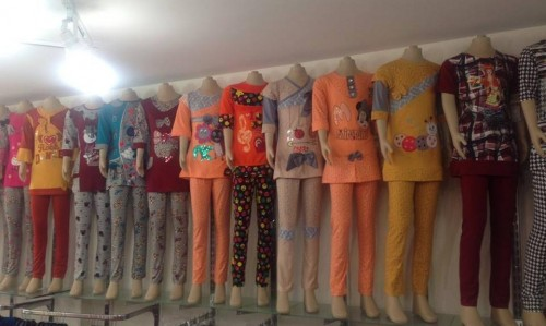 097d7794f ... بيع الملابس من تركيا للعراق - صورة3 ...