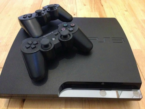 postadsuk.com-5-unique-orginal-box-slim-ps3-600gb-2-controllers-cable-charge-lead-excellent-condition-working-orde