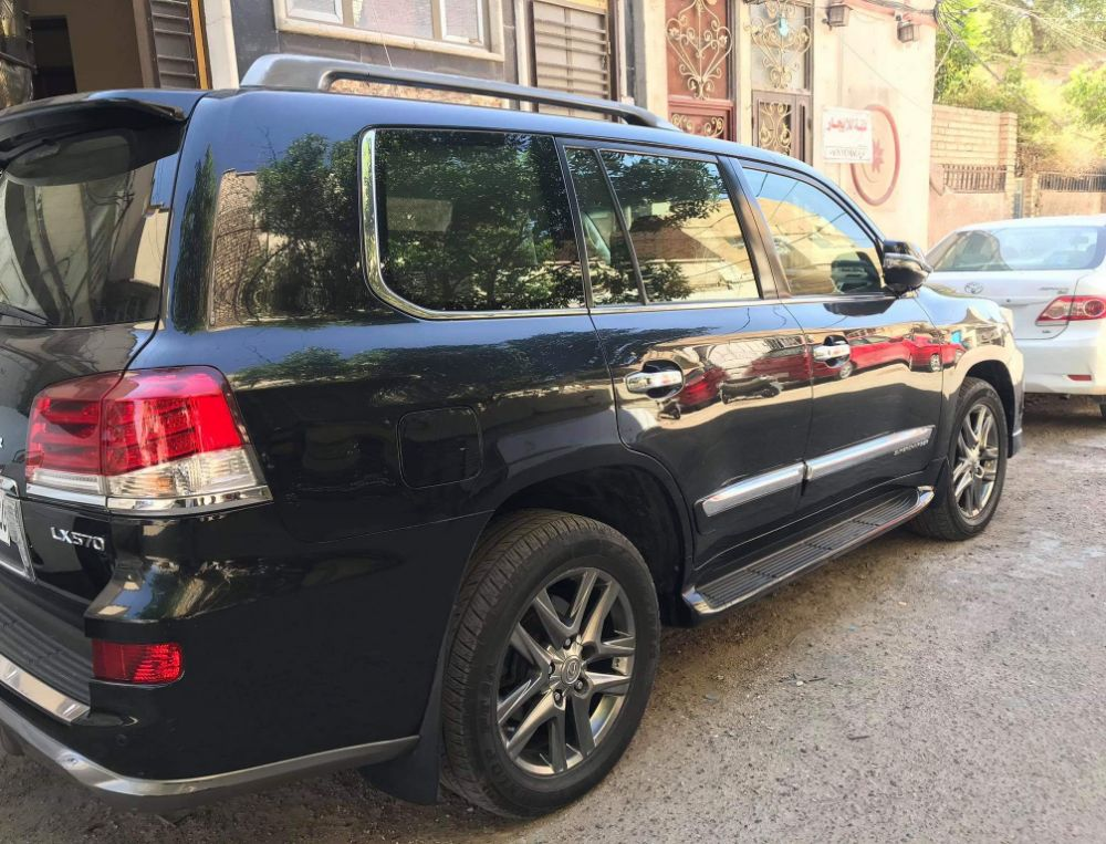 للبيع فقط  لكززس اسود ملكي 2012 رقم  بغداد - صورة5